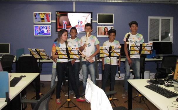 Apresentação fez parte de surpresa realizada pela emissora (Foto: Laurivânia Fernandes/ Rede Clube)