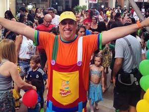 Tio Paulinho comanda Bailinho de Carnaval no Shopping Paseo Itaigara (Foto: Divulgação)