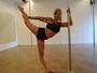 Aos 42 anos, psicóloga exibe boa forma e encara disputa de pole dance