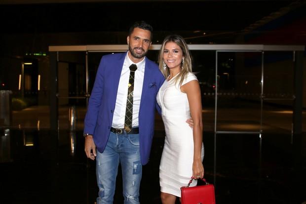 Latino e Fabiana Araújo (Foto: Thiago Duran/AgNews)
