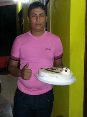 Otavio mora no Belo Jardim I e saiu no sábado para ir a casa da tia, no bairro Areal (Foto: Arquivo da família)