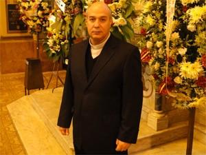 Padre de Sertãozinho participa do velório de Dom Joviano (Foto: Carolina Visotcky/G1)