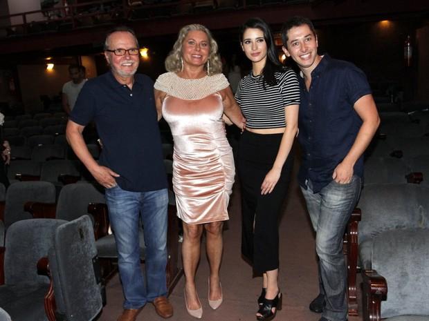 Tato Gabus Mendes, Vera Fischer, Anna Sophia Folch e Michel Blois em estreia de peça no Rio (Foto: Marcos Ferreira/ Brazil News)