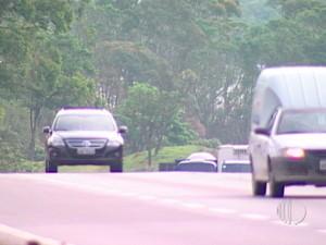 Rodovia Presidente Dutra em Arujá (Foto: Reprodução/TV Diário)