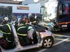 Acidente entre ônibus e carros deixa três pessoas feridas em Jacareí, SP