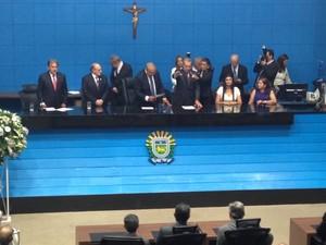 Reinaldo Azambuja faz juramento e é empossado novo governador de MS (Foto: Lucas Lourenço/G1 MS)