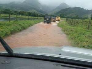 Membros do Jeep Clube de Campos ajudaram nas buscas da criança. (Foto: Divulgação | Jeep Clube de Campos)