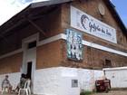 Integrantes de grupo cultural ocupam galpão de antiga estação ferroviária
