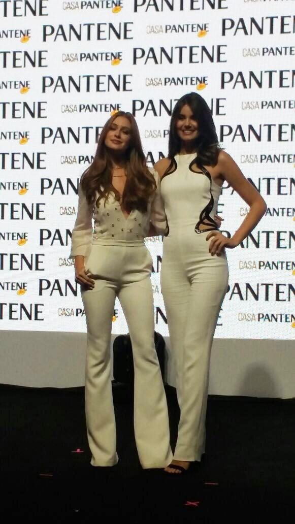 Marina Ruy Barbosa e Camila Queiroz (Foto: Tereza Peres)