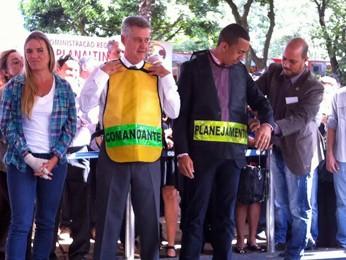 Deputada distrital Celina Leão, ao lado do governador Rodrigo Rollemberg e do vice, Renato Santana (Foto: Isabella Formiga/G1)