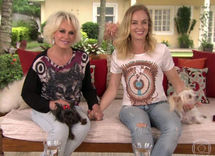 Apresentadora posa ao lado de Angélica (Foto: TV Globo)