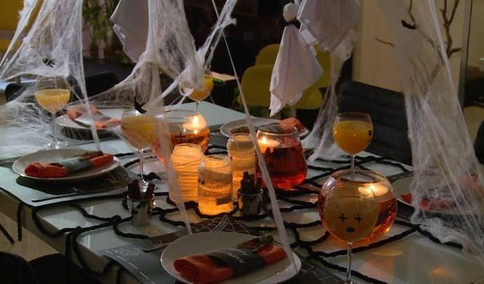 Mesa de Halloween para comemorar a data mais assustadora  (Foto: Reprodução / TV Diário )