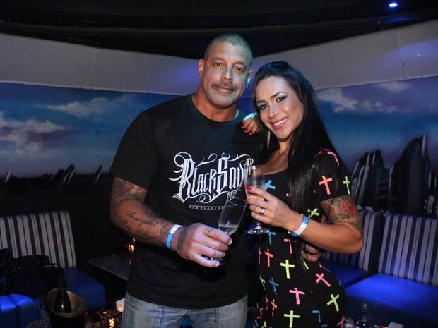 Alexandre Frota com a mulher, Fabiana, em festa em São Paulo (Foto: Rodrigo dos Anjos/ Ag. News)
