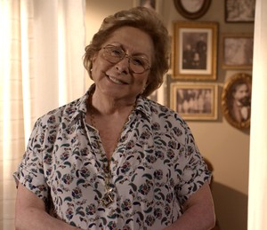 Aracy posa caracterizada como Geppina (Foto: TV Globo)