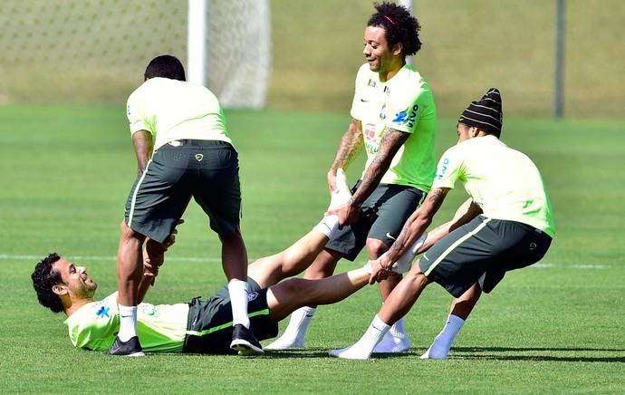 Fred NEymar marcelo Brasil treino (Foto: Gaspar Nobrega / Vipcomm)