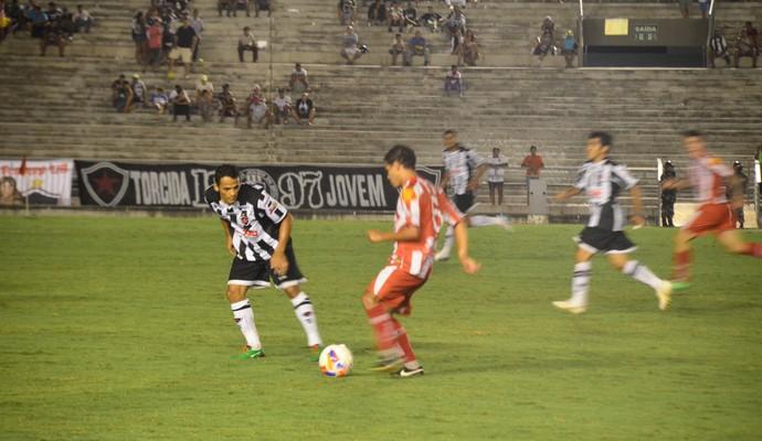 Botafogo-pb x Auto Esporte, pelo Campeonato Paraibano (Foto: Cadu Vieira / GloboEsporte.com/pb)