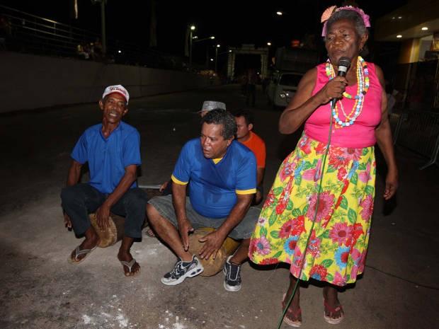 Moradores de Cametá durante o Samba do Cacete, tradição centenária, de origem quilombola. (Foto: Rodolfo Oliveira/Agência Pará)