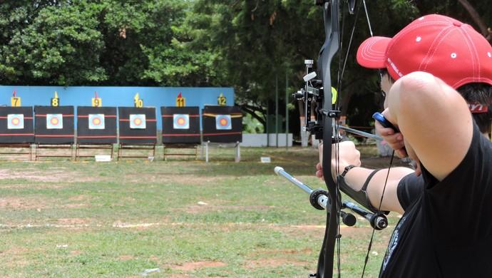 Concentração e foco é princípio para praticar o tiro com arco (Foto: Tom Alexandrino)
