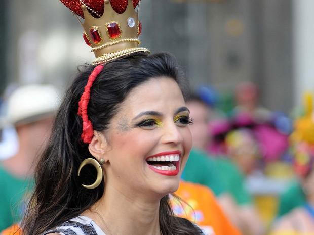 Atriz e cantora Emanuelle Araújo é a primeira rainha de bateria da história do Monobloco (Foto: Alexandre Durão/G1)
