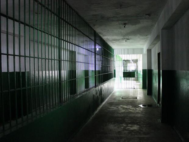 Corredor dá acesso para outros pavilhões (Foto: Jamile Alves/G1 AM)