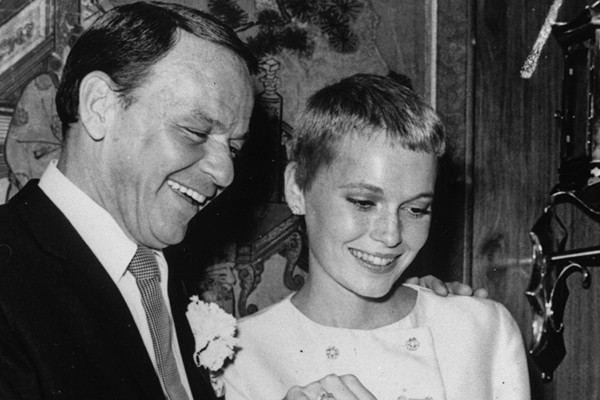 Frank Sinatra e Mia Farrow (Foto: Getty Images)