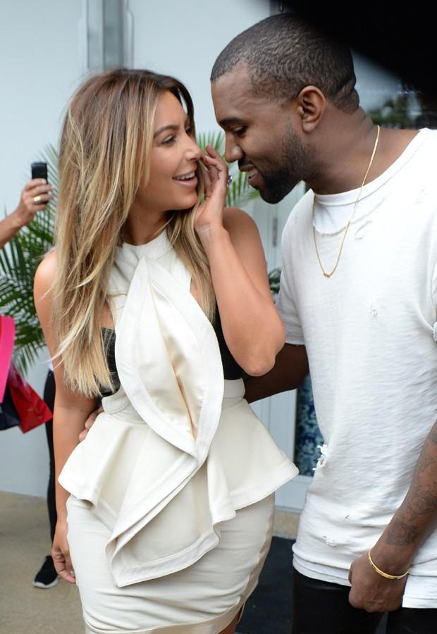 Como assim? Kanye West planeja grande evento como festa de ...