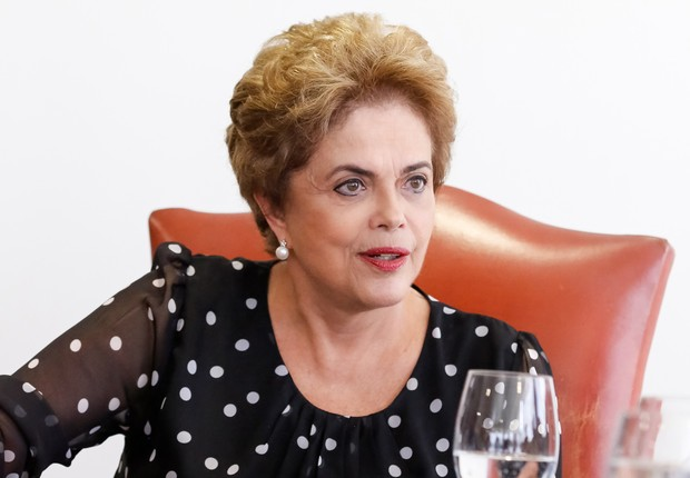 A presidente Dilma Rousseff concede entrevista coletiva, na qual acena com a possibilidade de pacto (Foto: Roberto Stuckert Filho/PR)
