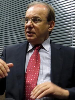 Presidente Luiz Sallim Emed Atlético-PR (Foto: Fernando Freire)