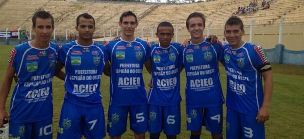 Jogadores do Espigão, time de Rondônia, na Copa São Paulo de Juniores (Foto: Fernando Vidotto / TV Globo)