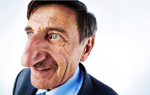 Mehmet Ozyurek ostenta um nariz de 8,8 centímetros. (Foto: Reprodução/Guinness)