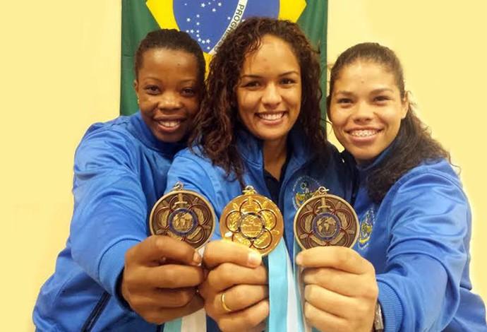 Joice Silva, Aline Silva e Dailane Gomes mundial militar luta olímpica (Foto: Divulgação/CBLA)