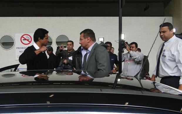 chegada de Celso Roth em BH (Foto: Ana Paula Moreira / Globoesporte.com)
