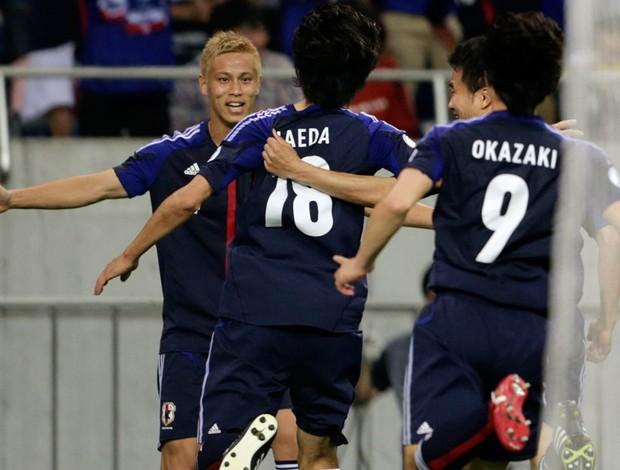 honda japão gol jordânia eliminatórias copa do mundo 2014 (Foto: Agência Reuters)