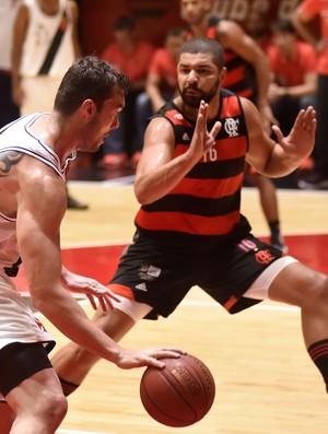 Flamengo x Vasco - 1º jogo da final do Estadual do Rio basquete (Foto: André Durão)
