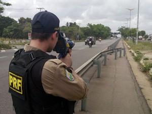 Fiscalização da PRF vai fiscalizar rodovias para evitar excesso de velocidade. (Foto: Polícia Rodoviária Federal)