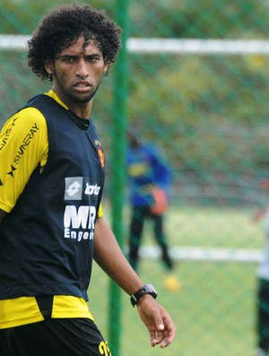 William Rocha, zagueiro do Sport (Foto: Aldo Carneiro / Pernambuco Press)