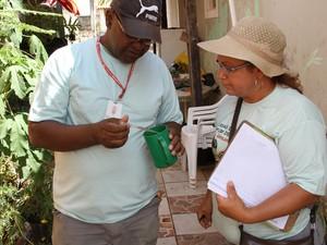 Mutirão de combate a dengue visa acabar com os criadouros do mosquito (Foto: Reginaldo Prado)