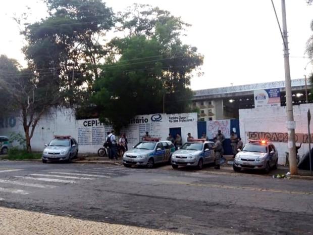 Alunos ocupam o Colégio Pré-Universitário, em Goiânia, Goiás (Foto: Divulgação)