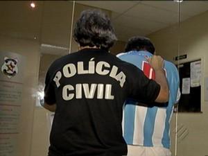 Sete pessoas foram presas em flagrante, neste domingo (16), por tentativa de fraude ao concurso da Polícia Civil do Pará (Foto: Reprodução/TV Liberal)