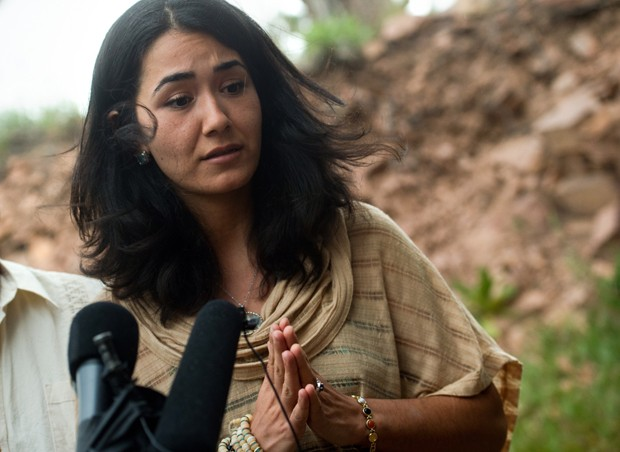Sitora Yusifiy, que foi casada com Omar Mateen, afirmou que era agredida com frequência pelo ex-marido (Foto: Autumn Parry/Daily Camera/AP)
