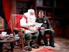 Advogado do ES viaja até a Lapônia, visita o Papai Noel e entrega cartinhas