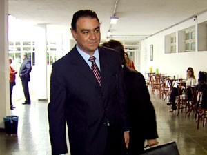 Carlos Henrique Pinto, ex-secretário de Segurança Pública de Campinas, chega a julgamento (Foto: Reprodução EPTV)