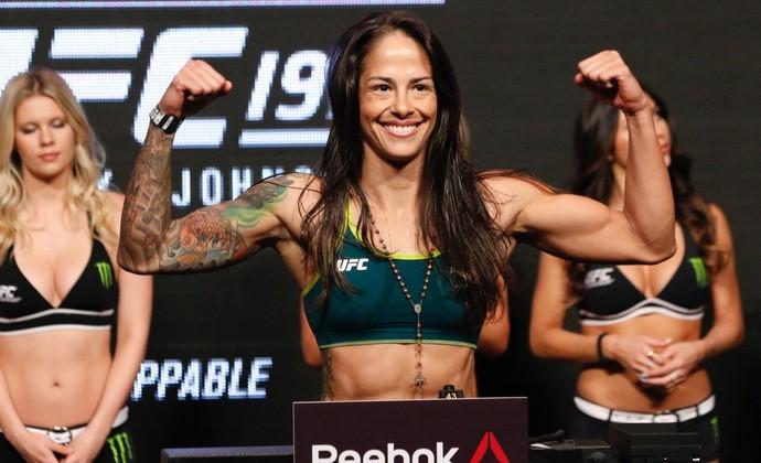 Pesagem Ju Thay Juliana Lima UFC 197 (Foto: Evelyn Rodrigues)