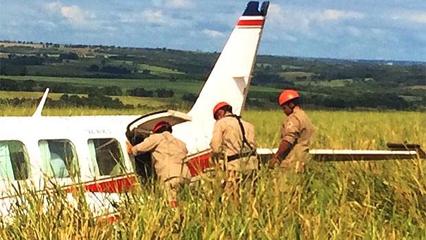 Resgate Luciano Huck Angélica pouso forçado avião (Foto: Divulgação/Corpo de Bombeiros)