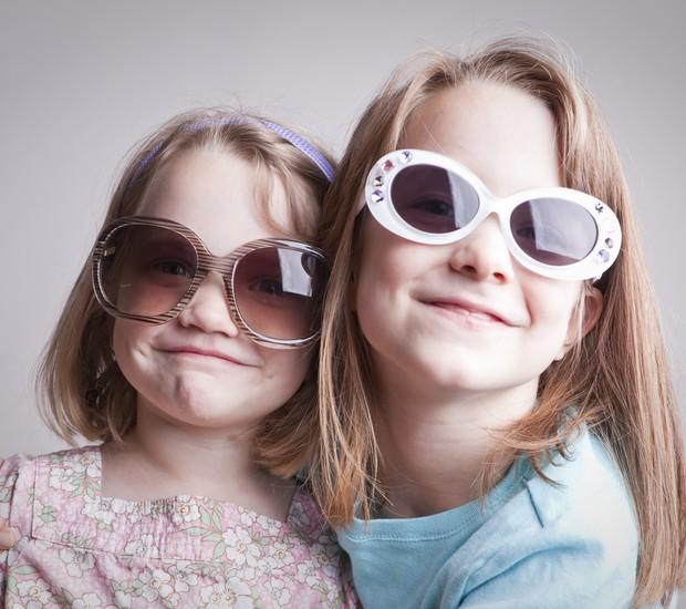 ec9c873dc8f8c Crianças precisam de óculos de sol, sim! - CRESCER   Saúde
