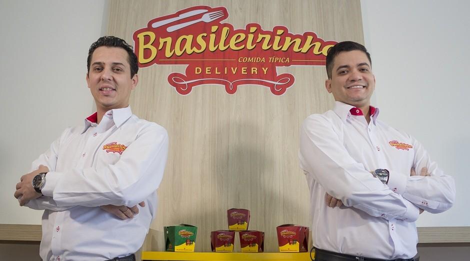 Adriano Massi (esq.) e Jhonathan Ferreira (dir.), fundadores da rede Brasileirinho (Foto: Divulgação)