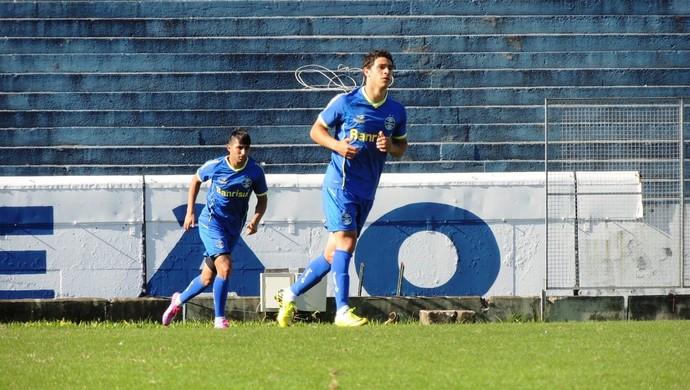 Giuliano e Alan Ruiz treinam pelo Grêmio (Foto: Tomás Hammes/GloboEsporte.com)