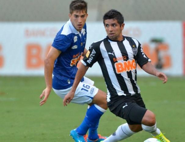 Cruzeiro e Atlético-MG se enfrentam neste domingo na decisão do Campeonato Mineiro. (Foto: Douglas Magnum/ Globoesporte.com)
