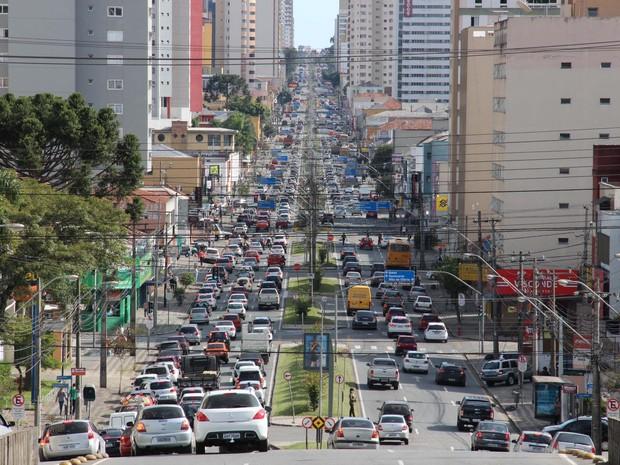 Em média, 273 motoristas foram notificados por dia sobre a suspensão da habilitação (Foto: Divulgação/Detran-PR)