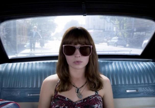 Britt Robertson no papel de Sophia Amoruso na série Girlboss (Foto: Divulgação)